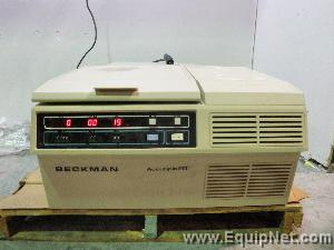 Beckman Accuspin FR Centrifuge
