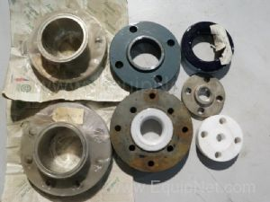Lot of 70 flanges