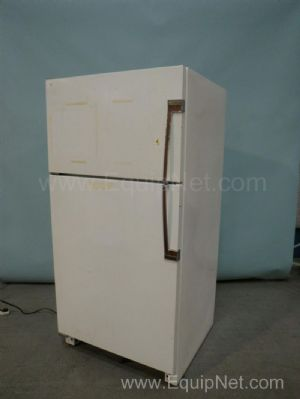 Magic Chef Inc RB21BN3A Refrigerator Freezer
