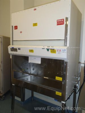 Baker VBM 400 Biological Safety Cabinet