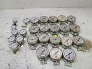 Lot of 26 Pressure Gauges