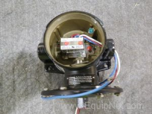 Dresser Industries Pressure Switch