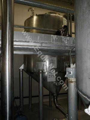 700 Gallon Stainless Steel Storage  Tank
