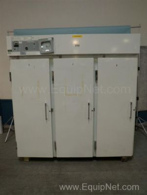 Fisher Scientific Isotemp 3 Door -20C Lab Freezer