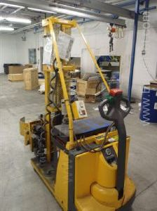 Easy lift 800 lb. mobile electric  drum manipulator