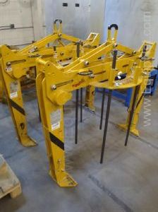 One lot of three Tiger 1000 kg Lifting Clamps - Grapple