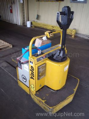 Yale 6,000 Pound MPE060LC Electric Pallet Walkie - Rider T-31