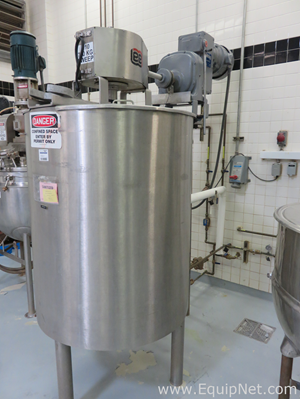 Lee Industries 700L Stainless Steel Tank with Side Scrape Agitation