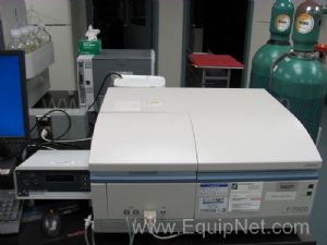 Hitachi F-7000 Fluorescence Spectrophotometer