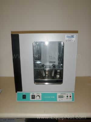 LabNet Model 211DS Shaking Incubator