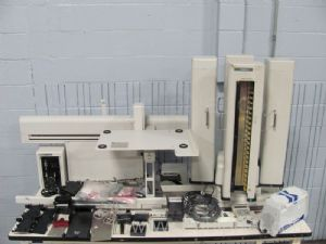 Beckman Coulter Biomek 2000 Liquid Handler with Stacker Carousel and Accessories
