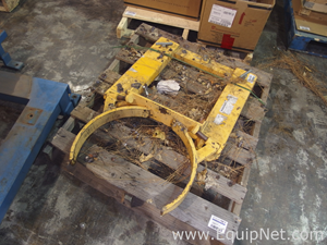 Drum Clamp Attachment for a Fork Lift