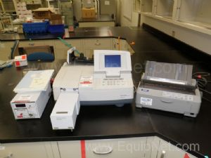 Shimadzu UV-1700 UV-Vis Spectrophotometer with CPS-240A Cell Positioner