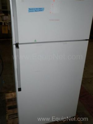 Kenmore 15 Cubic Foot Refrigerator and Freezer