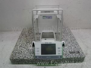 Mettler Toledo AX205 Balance With Antivibration Table