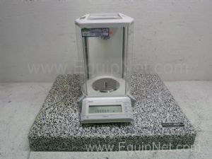Mettler Toledo AG245 Balance With Scienceware Antivibration Table