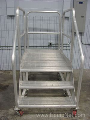 Aluminum 2 Step Stairs with Handrails and Casters