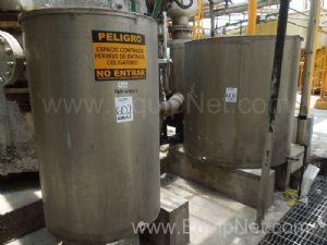 Lote de 2 tanques de acero inoxidable de 1250 l y 550 l - Lot of 2 stainless steel tanks
