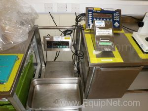 1 Lot of 2 off Mettler Toledo IDI Plus and IND690D GA46 Platform Scales with remote Digital Readouts