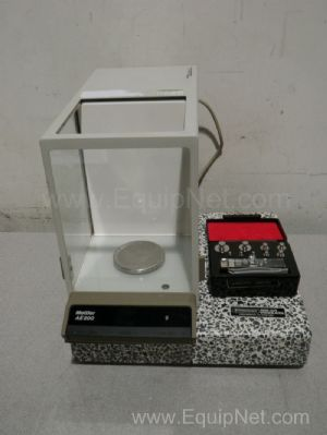 Mettler Model AE200 Analytical Balance with Bel Art anti-vibration table