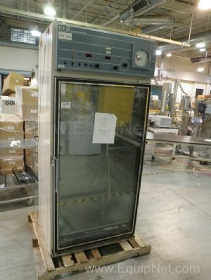 Forma Scientific Model 3956 CO2 Incubator