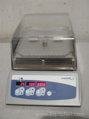 VWR Scientific Mini-Micro 980140 Incubating Microplate Shaker