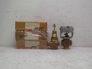 Lot of 5 Honeywell 2-way single sealed steam valves and Johnson controls diaphragm actuator