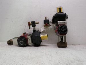 Lot of 2 Watts model PASS-400-M3 Pneumatic Actuator with 1-inch ball Valve