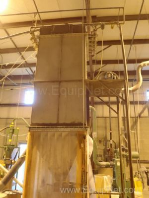 MikroPul 36S-830 Pulsaire Dust Collectorn with Flexicon Auger Elevator Discharge