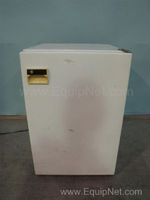 General Electric FP5DSARWH Freezer