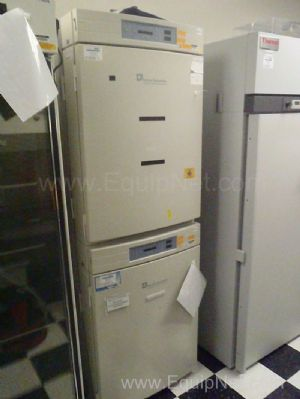 2 Forma Scientific 3110 C02 Incubators