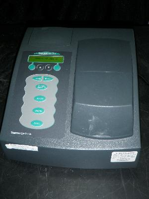 Thermo Spectronic Genesys 20 Visible Spectrophotometer with 7 Different Language Display Option