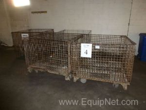 One Lot of 4 Wire Metal Totes