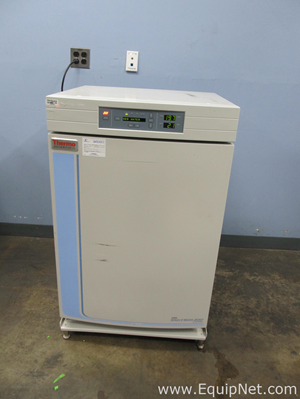 Thermo Fisher Scientific 3110 Water Jacketed CO2 Incubator