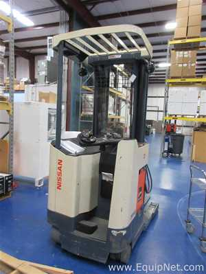 Nissan RRN35 3500 LB. Forklift With Man Cage Attachment