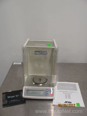 AND GH-120 Analytical Balance