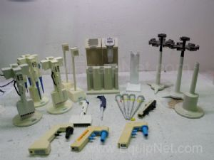 Lot of Assorted Pippettes & Acessories