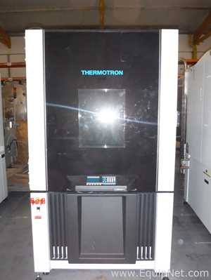 Thermotron SE-1000-3-3 Environmental and Stability Chamber
