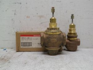 Lot of 3 Honeywell 2-way and 3-way single sealed Vater valve and mixing valve