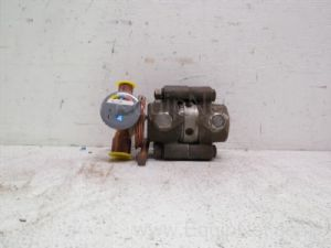 Lot of 2 Sporlan Thermostatic Expansion Valve and one-inch 2000 Lb Throttling Valve