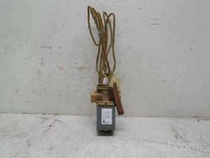 Johnson controls model V47AC-4 Temperature Actuated Valve