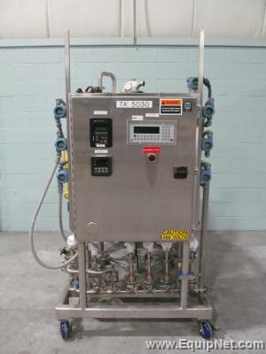 DCI 150 Liter Stainless Steel Jacketed Reactor Tank With Top Agitation And Control Panel