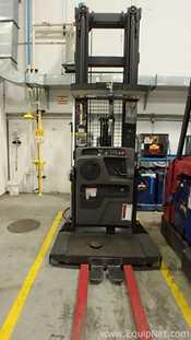 Raymond EASI-OPC30TT Order Picker Fork Lift