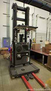 Raymond 550-OPC30TT Order Picker Fork Lift
