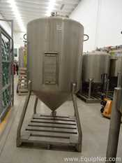 Feldmeier Equipment Inc  Stainless Steel Vertical 1000 L Tank