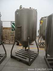 Stainless Fabrication Inc Stainless Steel Vertical 1000 L Tank